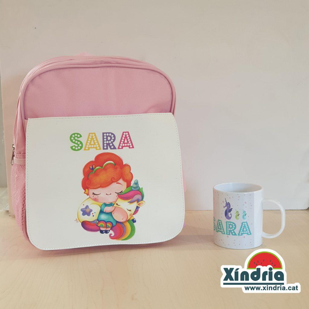 Bossa per anar a l'escola o a la llar d'infants personalitzada amb el nom del nen o nena.