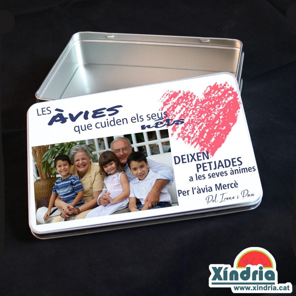 Caixeta personaltizada per regalar als avis i àvies.