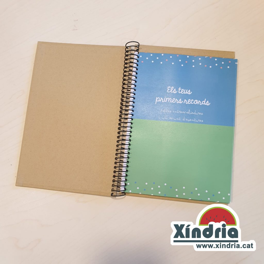 Llibreta nadons per escriure els primers records. Regals per nadons. Regals per naixments.