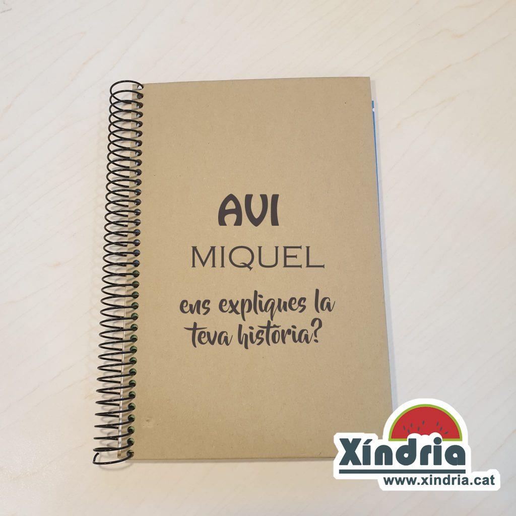 Regal per sorprendre als avis. Llibreta per escriure la història dels avis.