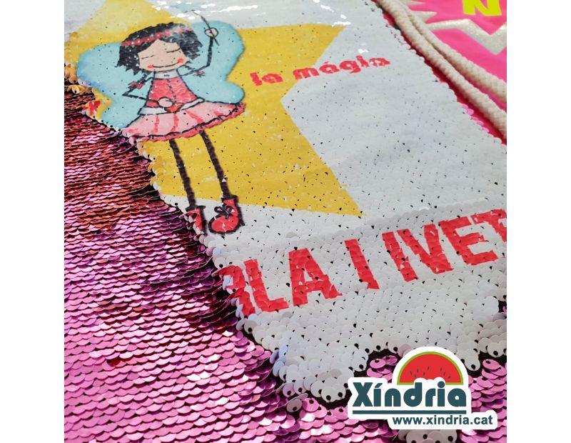 Bossa de lentejuelas personalitzada amb el nom dels nens i nenes.
